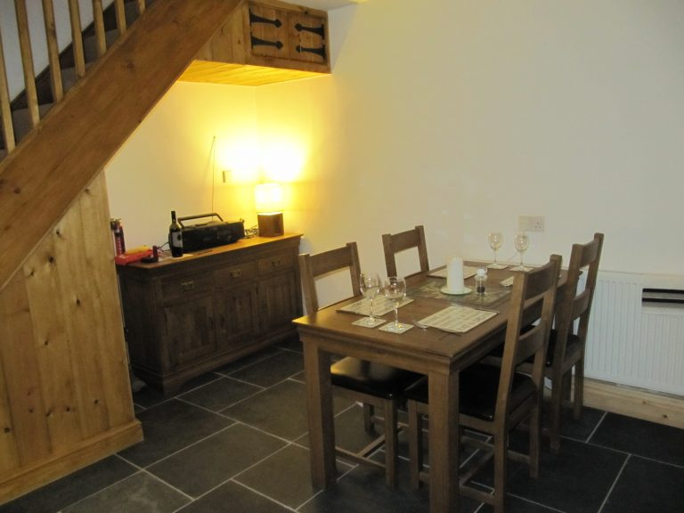 A picture of the kitchen diner